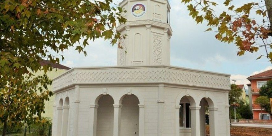 Körfez'de ilk saat kulesi tamamlandı