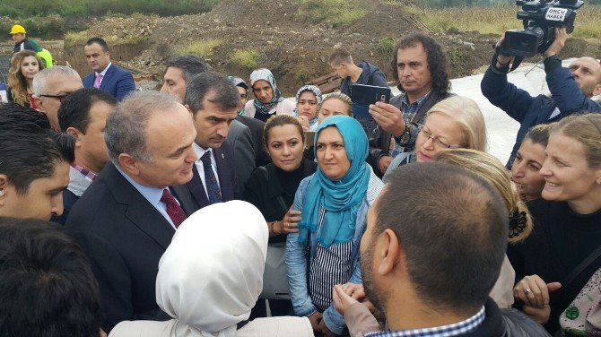 Okullarını isteyen veliler bu kez Bakan Özlü ile görüştüler