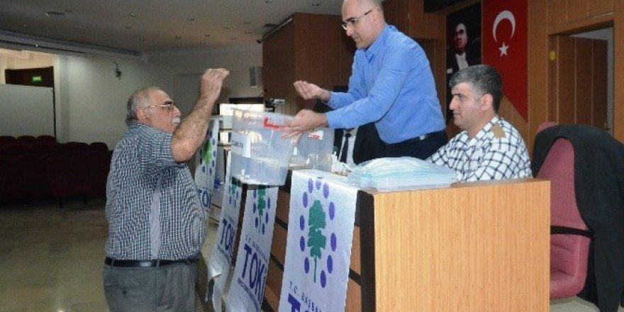 62 adet konut için yer belirleme kuraları çekildi