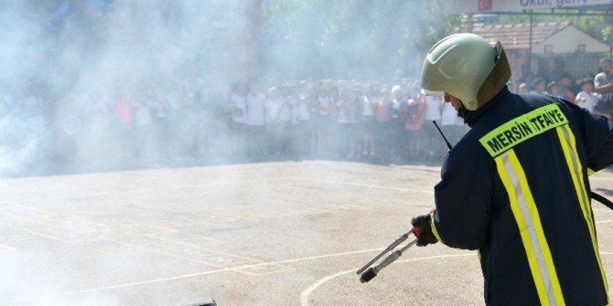 Mersin itfaiyesinden öğrencilere yangın tatbikatı