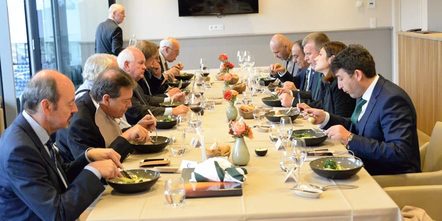 Konyaspor ile GENT Kulübü yöneticileri yemekte buluştu