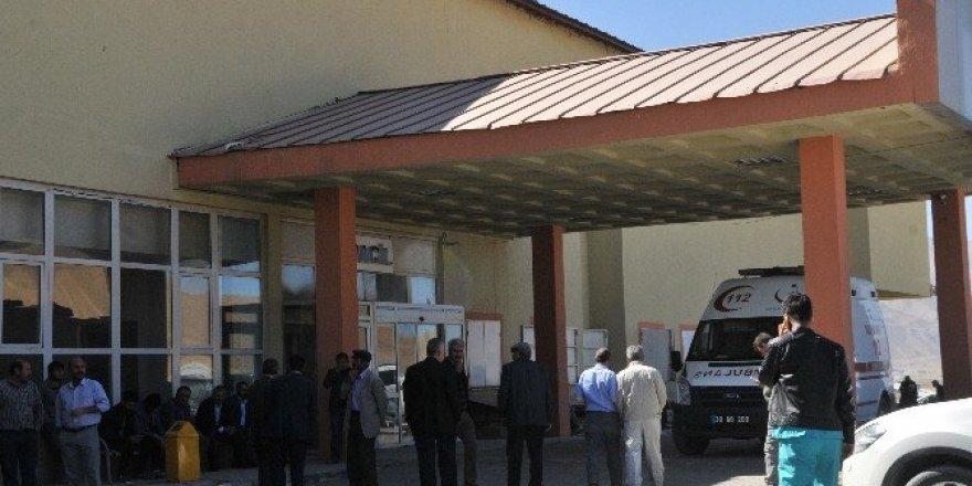 Şehit korucuların cenazeleri hastaneye getirildi