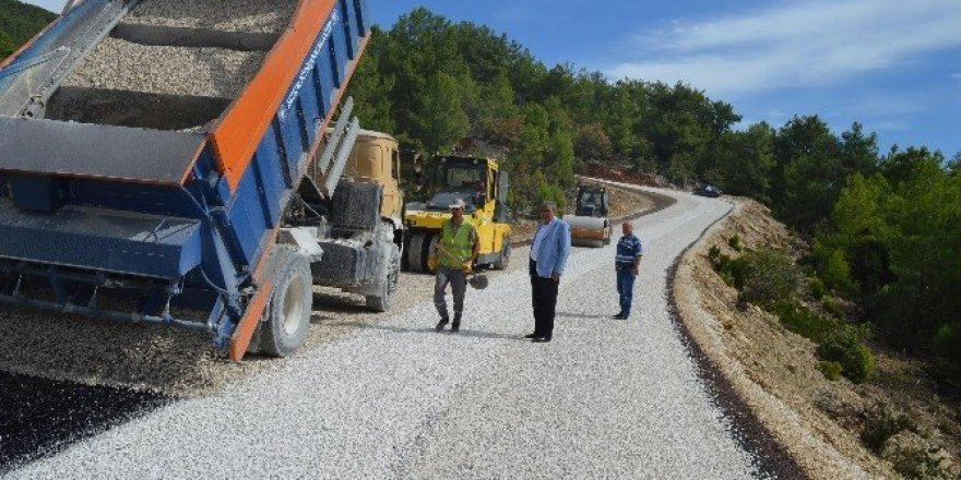 Kızıldağ yolu asfalta kavuştu