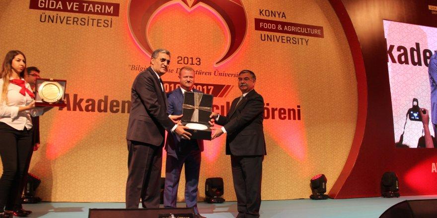 Konya Şeker sorumluluk üstlendi, iş garantili üniversite!