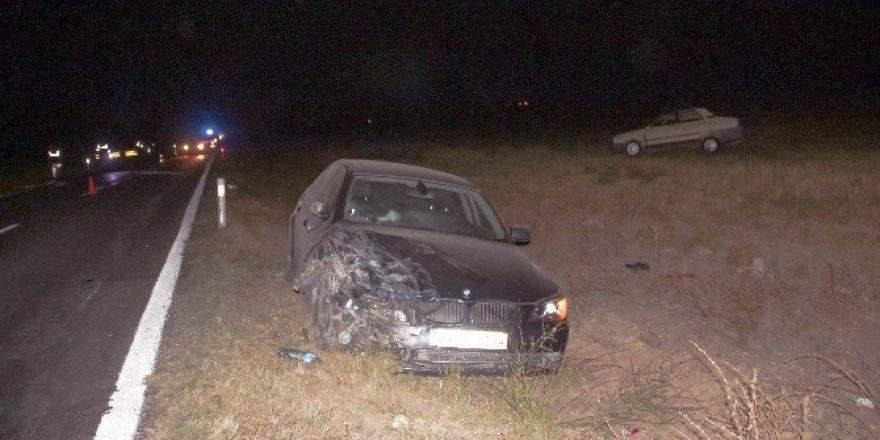 Belediye başkanının aracı ile traktör çarpıştı: 3 yaralı
