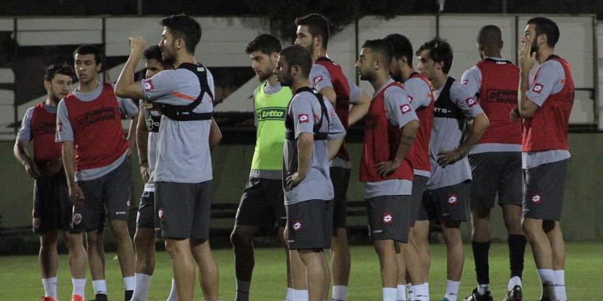 Adanaspor Konya'ya geliyor