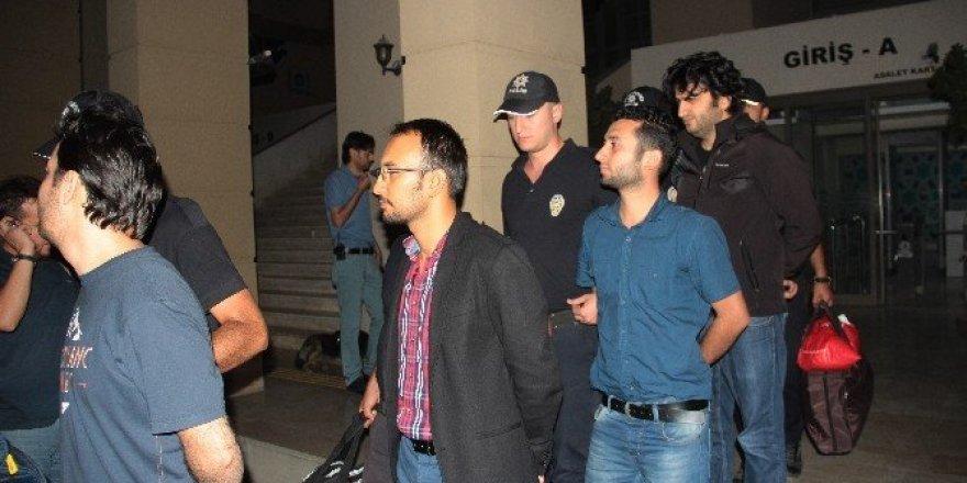 14 polis FETÖ'den tutuklandı