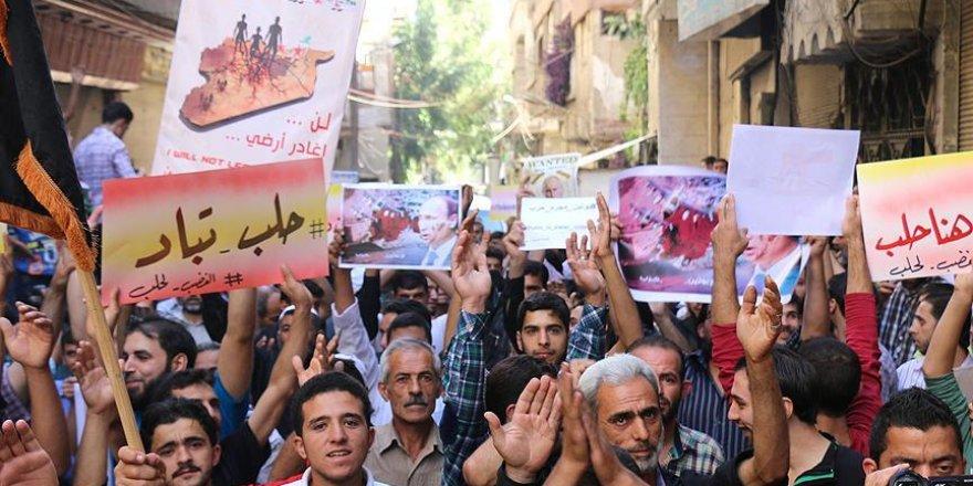 Rusya'nın Suriye'deki saldırıları 1. yılında protesto edildi