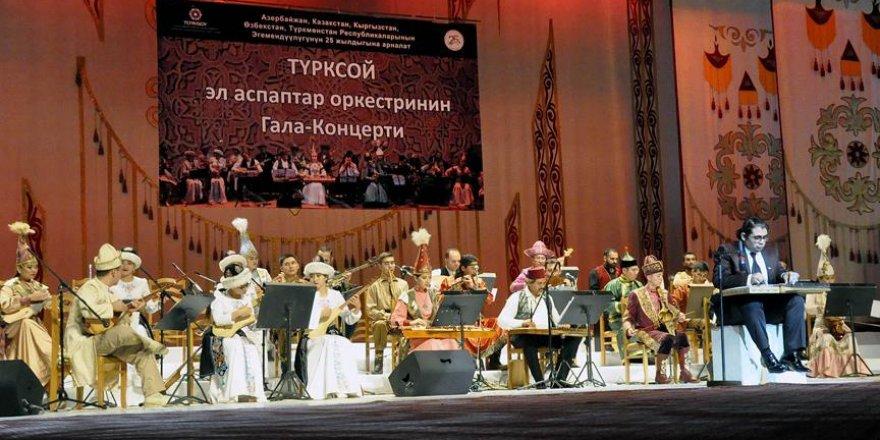 TÜRKSOY Halk Çalgıları Orkestrası Kırgızistan'da konser verdi