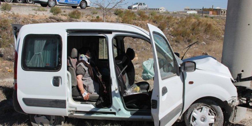 Konya'da trafik kazası: 3 kişi ölümden döndü