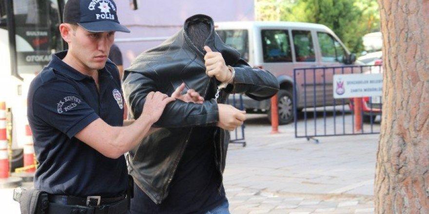 Manisa'da 11 FETÖ zanlısı sağlık kontrolünden geçirildi