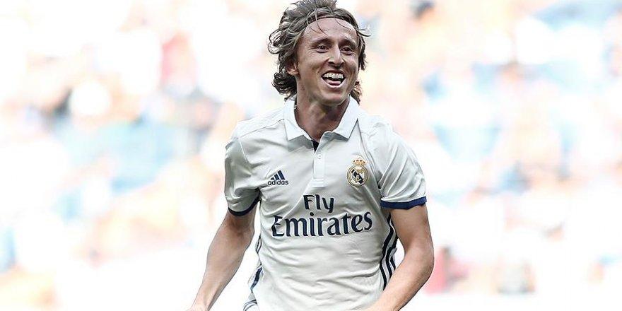 Real Madrid'te Modric sakatlandı