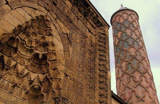 Tarih ve kültürde Erzurum farkı