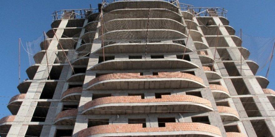 9. kattan düşen kalıp ustası bakın nasıl kurtuldu