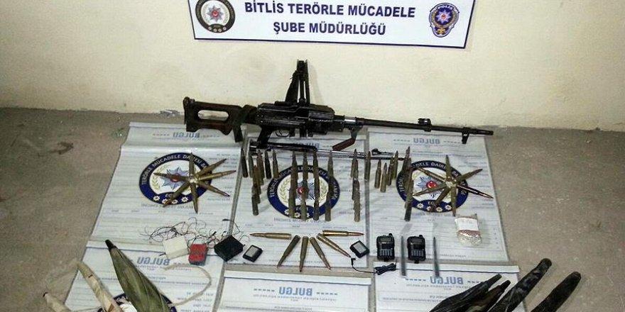 Bitlis'te PKK'ya götürülen silah ve mühimmat ele geçirildi