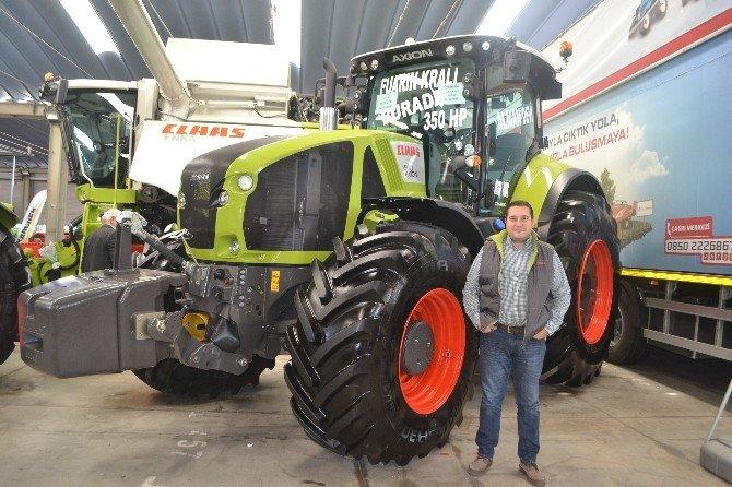Dev traktöre büyük ilgi