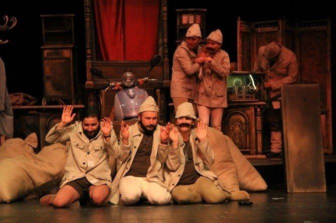 Büyükşehir Tiyatroları, Soğan Gibi oyunuyla tiyatroseverlerle buluşacak