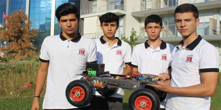 6 lise öğrencisi kendi imkanlarıyla robot yaptı