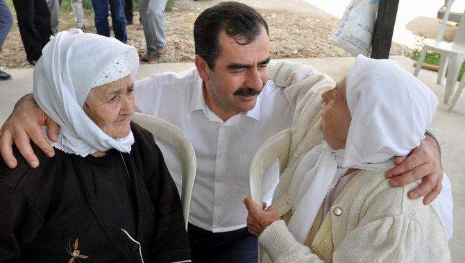 Mehmet Erdem yaşlıları unutmadı
