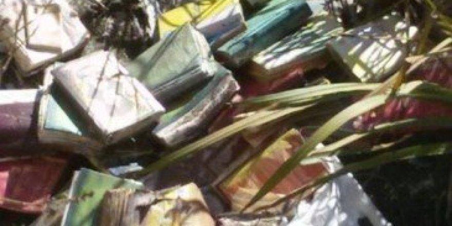 Erzurum'da FETÖ elebaşına ait çok sayıda kitap bulundu