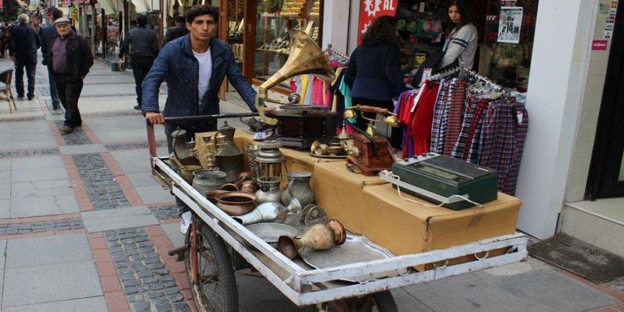 'Seyyah antikacı' yollarda