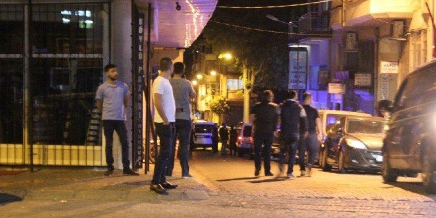 Silah sesleri vatandaşları sokağa döktü