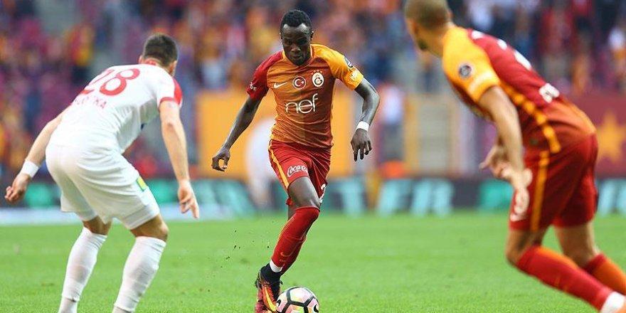 Galatasaray ikinci yarı açıldı