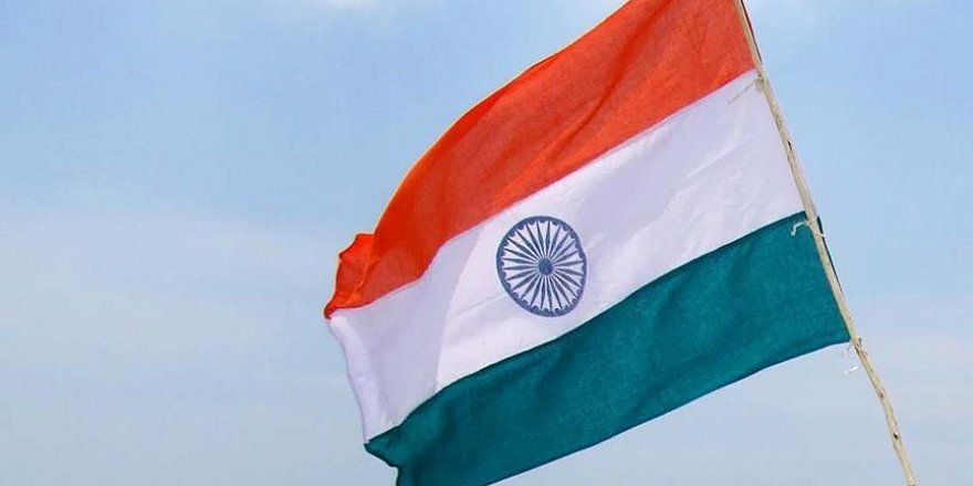 Hindistan ordusuna ait kampa saldırı: 1 ölü