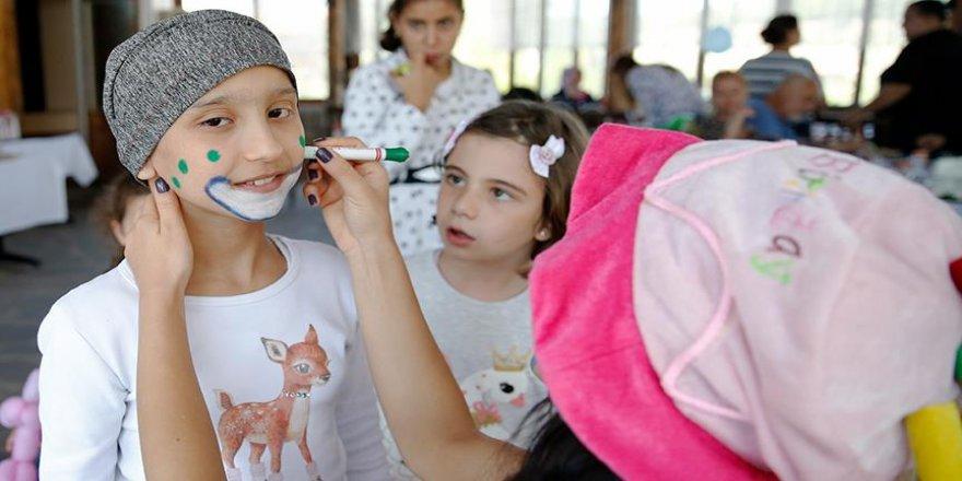 Suriye'deki savaş, Küçük Esma'nın saçlarını döktü