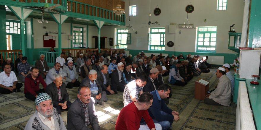 Konya'da şehitler için mevlit okutuldu