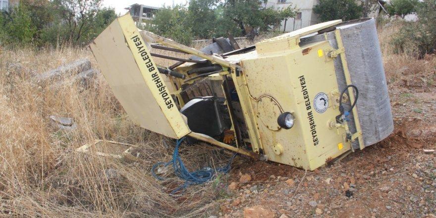 Konya'da iş makinesi devrildi: 1 yaralı