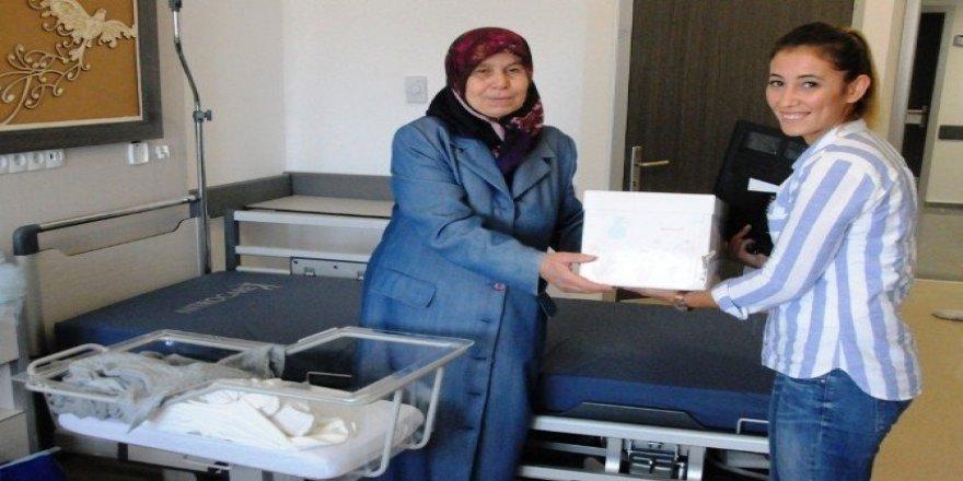 """Süleymanpaşa'da """"Hoş Geldin Bebek"""" paketi hediyesi"""