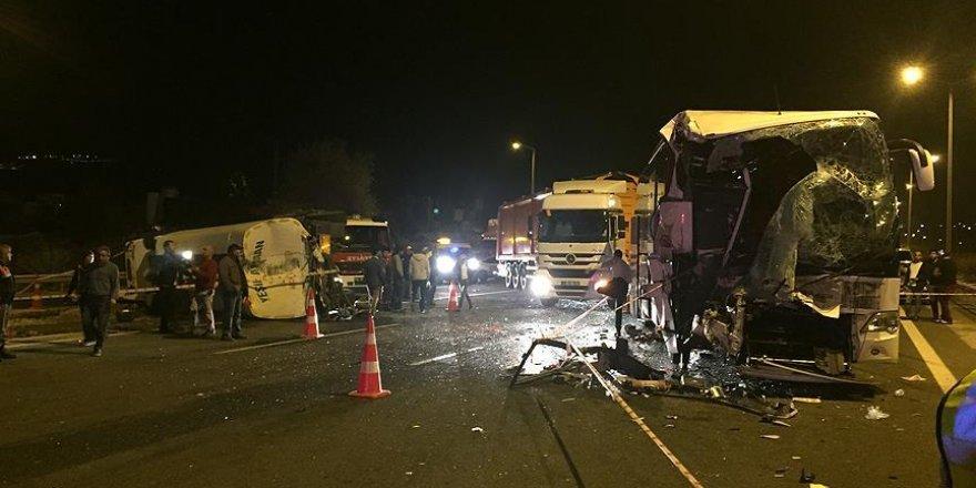 Başkentte zincirleme trafik kazası: 25 yaralı