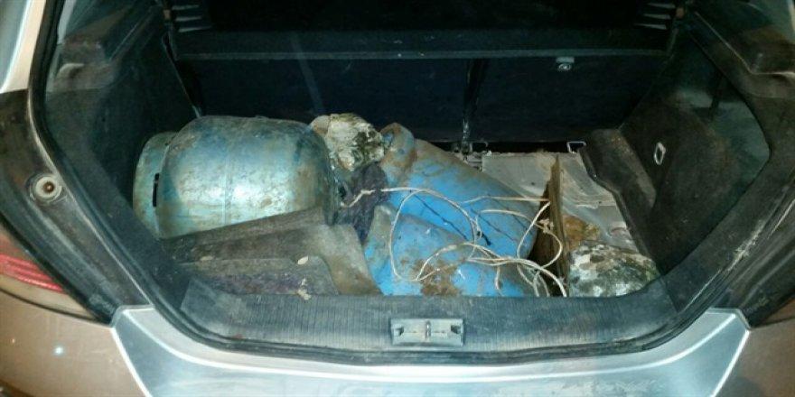 Adana polisi bomba yüklü araçlarla saldırıyı önledi