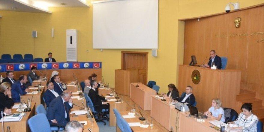 Kosova'da demokrasi yürüyüşü yapılacak
