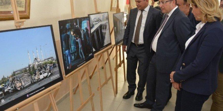 Milli iradeye saygı sergisi Ezine MYO'da açıldı