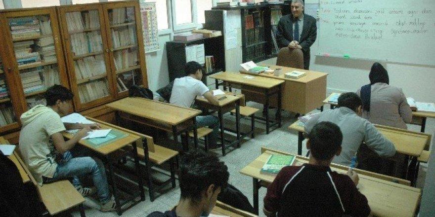 Yabancı uyruklu öğrencilere Türkçe eğitimi