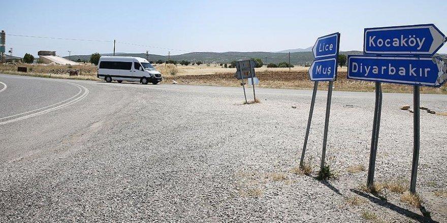 Lice'de PKK'lı teröristler askeri üs bölgesine saldırdı: 2 şehit