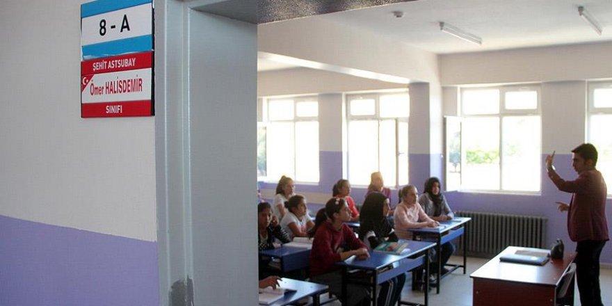 Şehitlerin isimleri sınıflarda yaşatılıyor