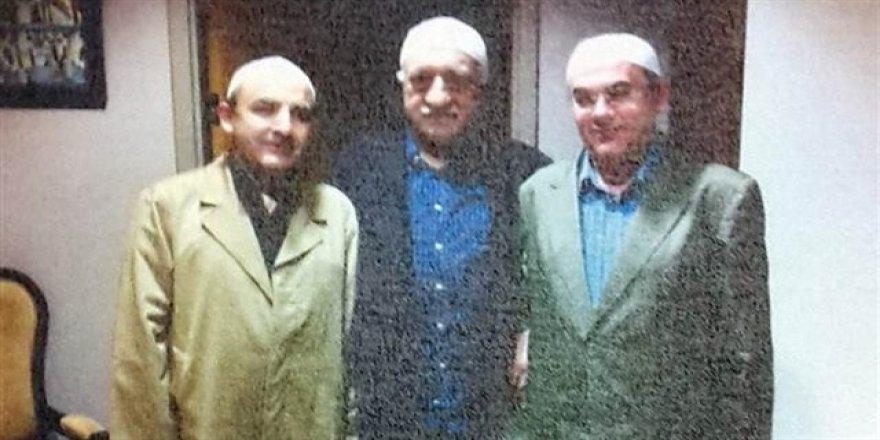 'Gülen'i tanımam' diyen darbecinin Gülen'le fotoğrafı çıktı