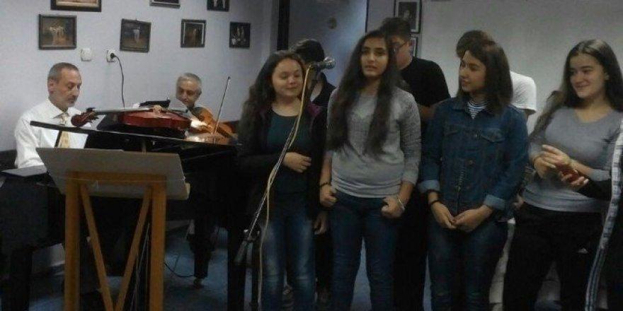 Soma Musiki Derneği sezonu açtı