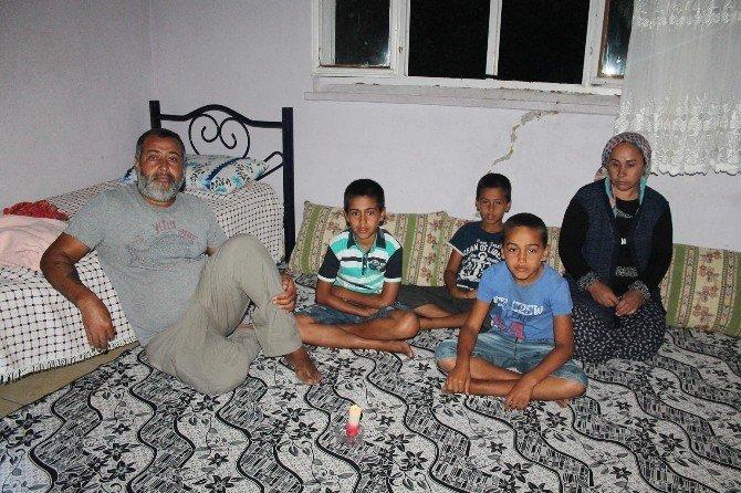 9 aydır elektriksiz, susuz evde yaşıyorlar
