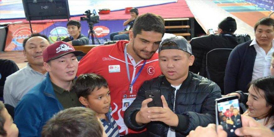 Yakutistan'da onur konuğu olarak ağırlandı