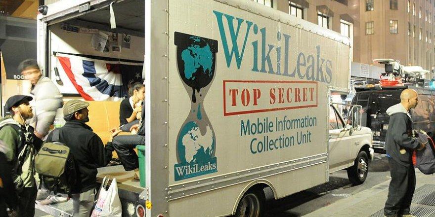 Wikileaks Clinton'ın kampanya yöneticisinin elektronik postalarını yayınladı
