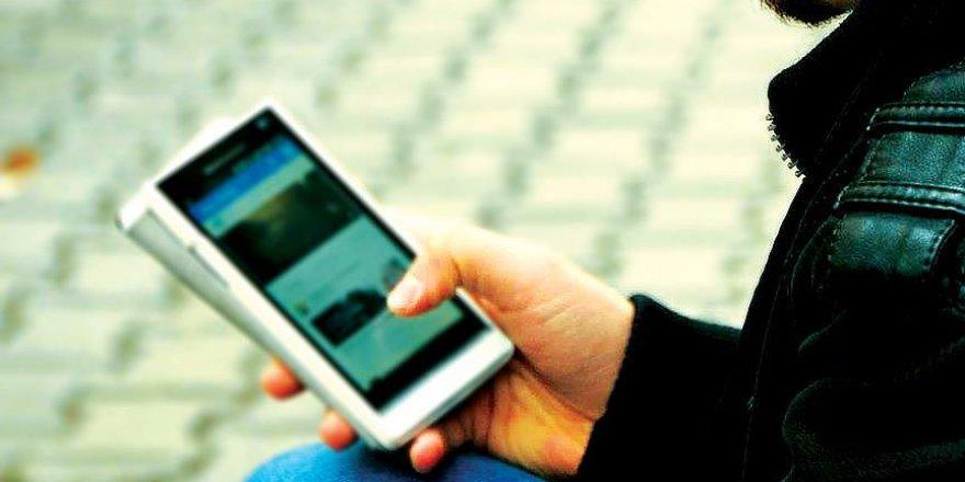 Öz güveni düşük gençler interneti daha çok kullanıyor