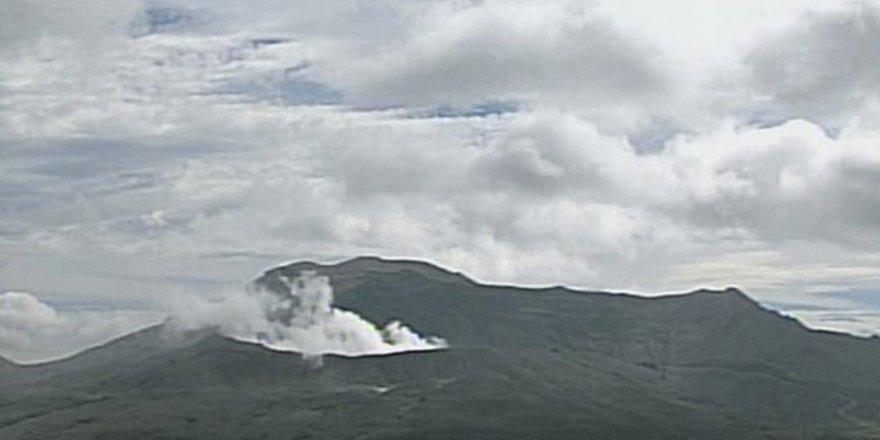 Yanardağdan çıkan dumanlar 11 bin metreye ulaştı