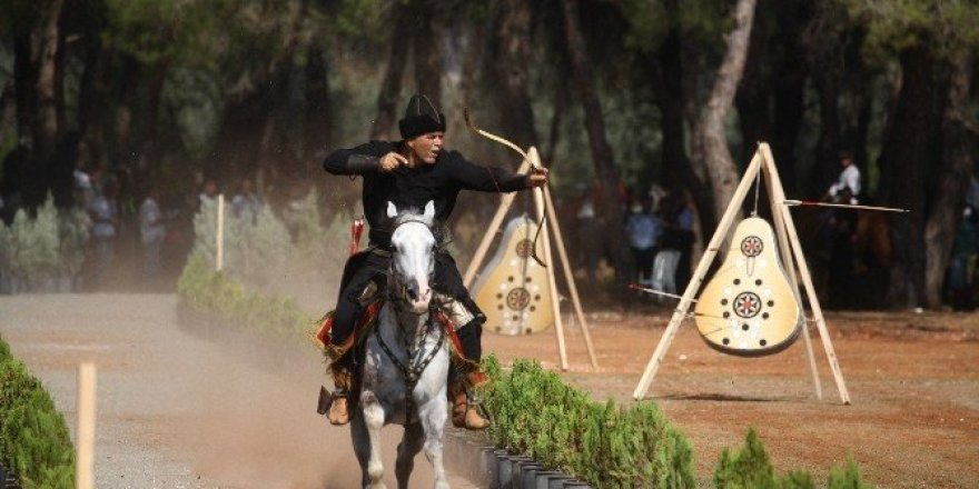 Ata sporcuları Adana'da buluştu
