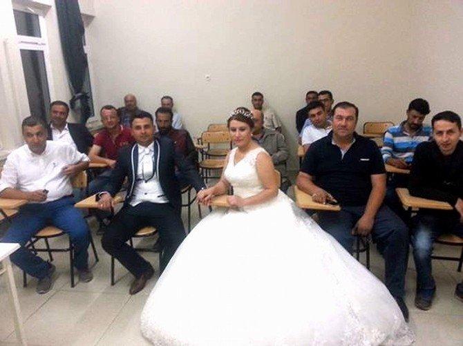 Devamsızlık yapmamak için düğünü bırakıp kursa gittiler