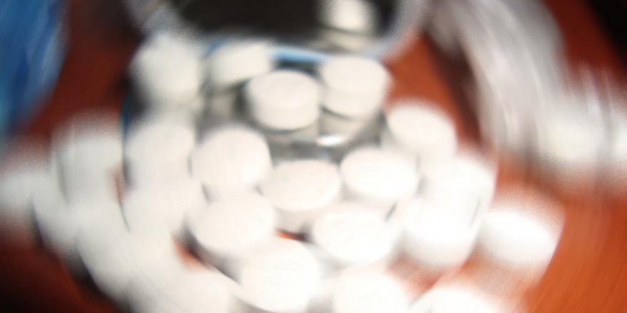 'İran'da 1 milyon 325 bin uyuşturucu kullanıcısı var'