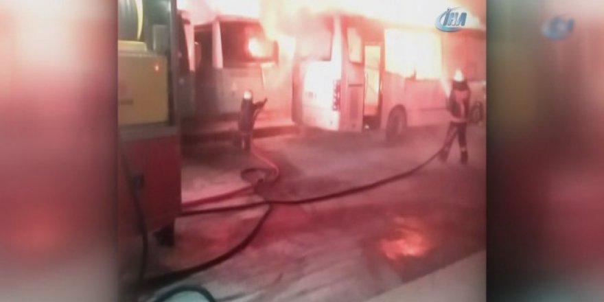 Yenibosna'da madde bağımlısı şahıs park halindeki araçları kundakladı